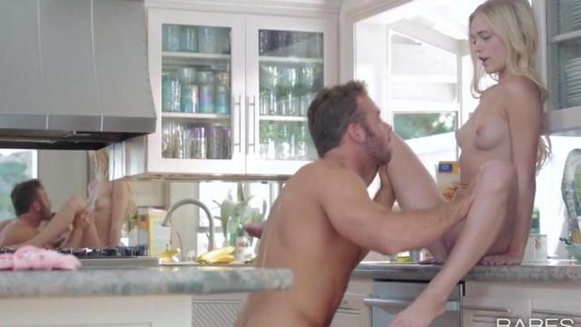 Видео Красивый Секс В Гостях
